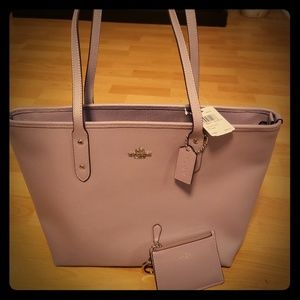 BNWT Lavender Coach City Zip Tote and Wallet